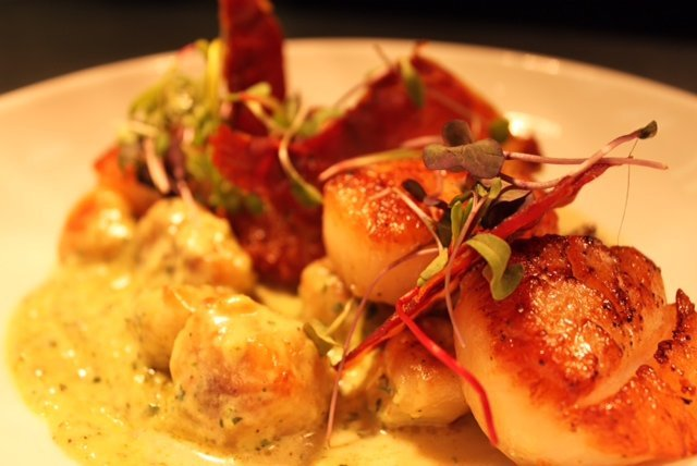 Divers Scallops