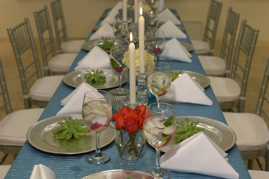 Signature-Event-Seaside-Table-Setting-30a-food-and-wine
